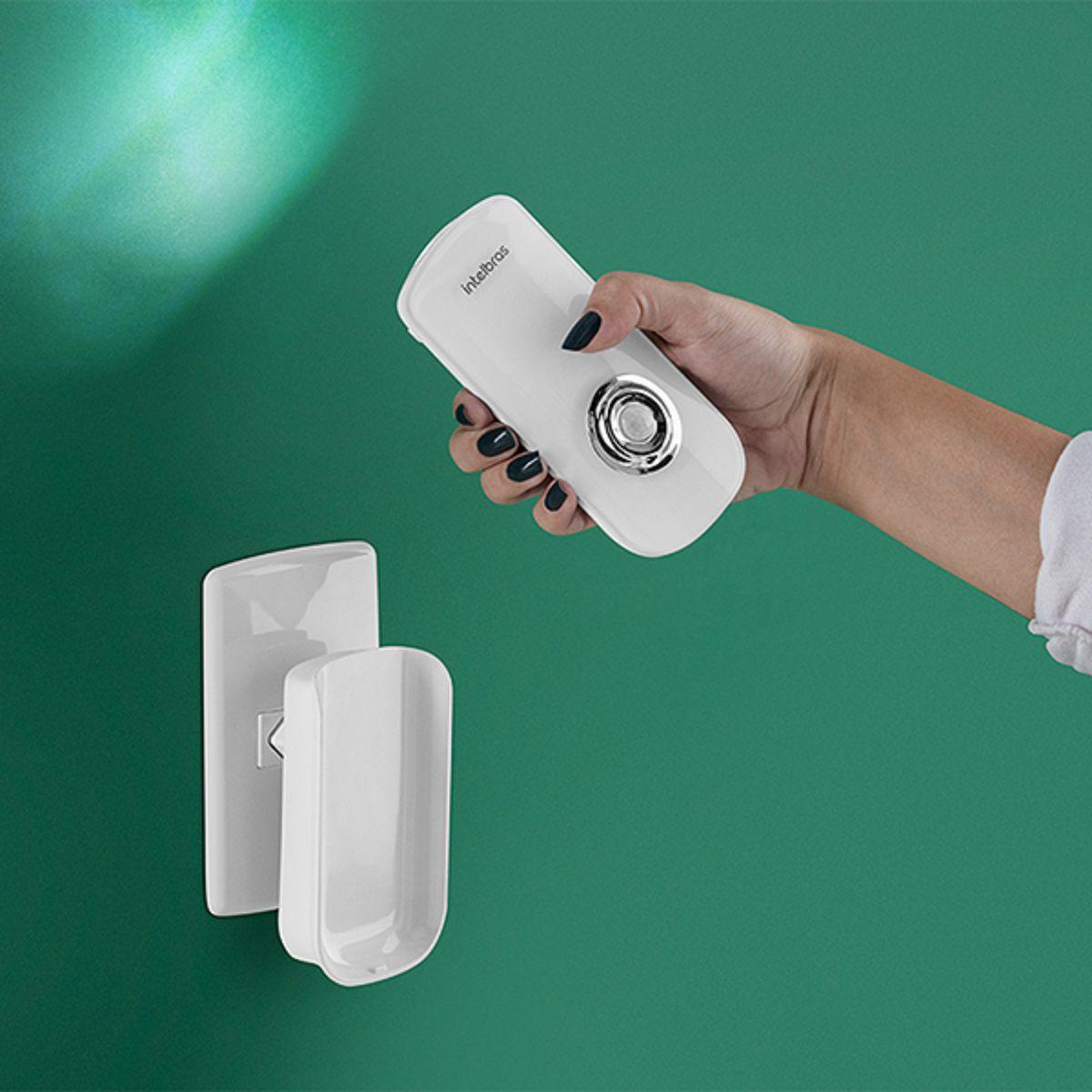 Sensor de presença com iluminação LED removível da base intelbras ESI 5003 - JS Soluções em Segurança
