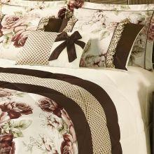Kit Edredom Vitoria King Palha e Tabaco com Porta Travesseiro Floral com 7 peças
