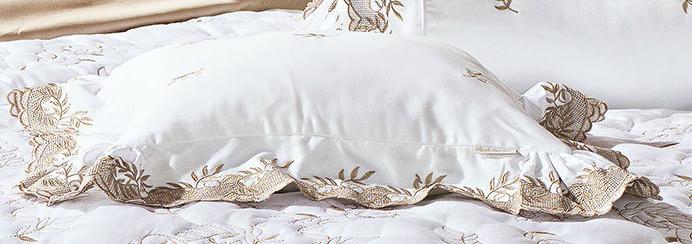 Almofada de Cama Branco e Dourado em Fio Egipicio Percal 400 fios - Chiesa