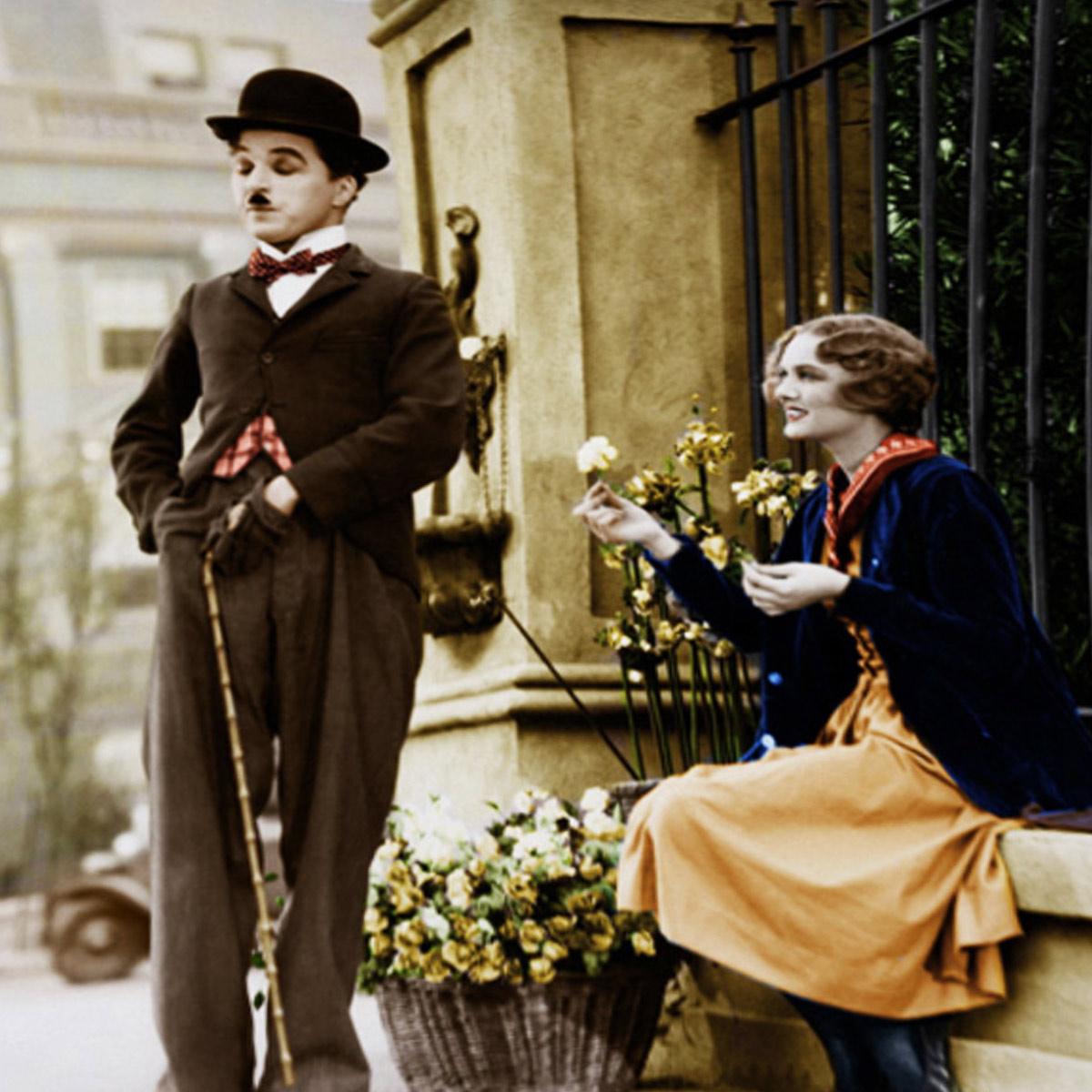 Almofada Desenhada Decoração Charles Chaplin com 2 peças tecido Microfibra - Almofada Digitais