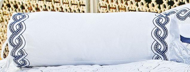 Almofada Rolinho em Percal Algodão 230 fios - Acetinado cor Azul e Branco - Trento