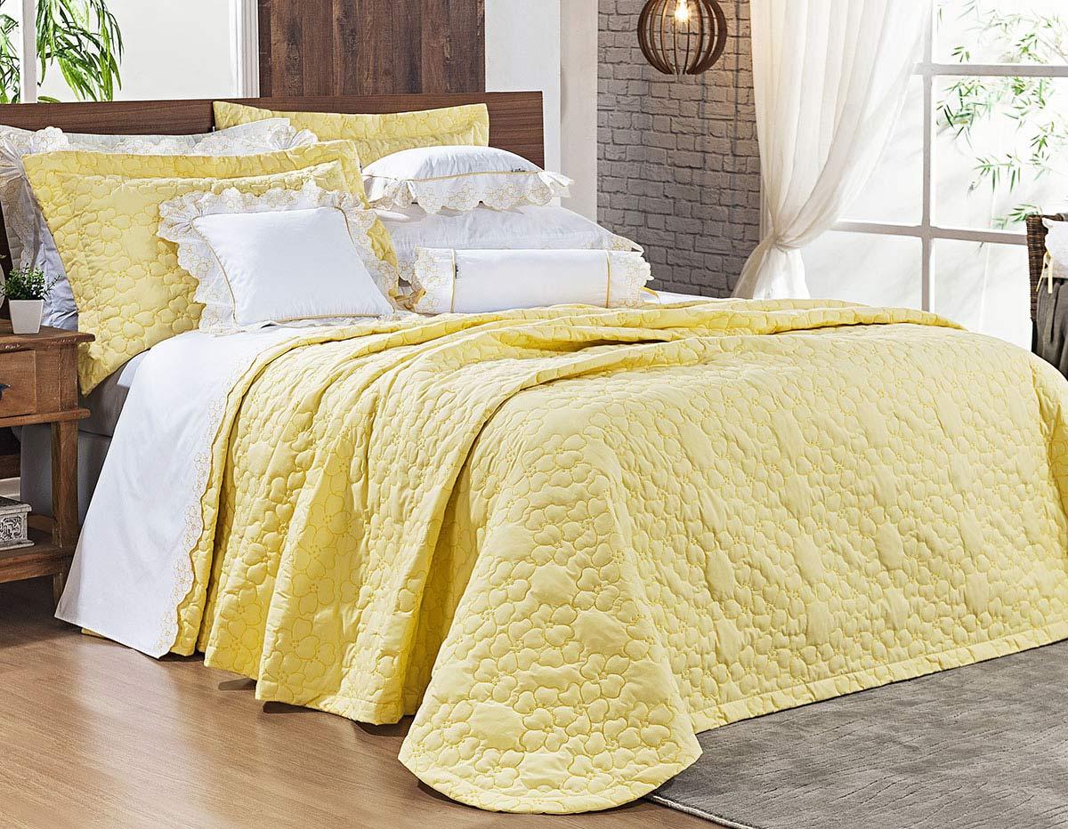 Cobre Leito Darla King Flores Bordadas cor Amarelo com 3 peças