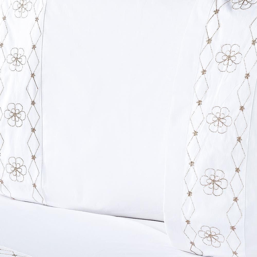 Jogo de Cama Damasco Queen Branco e Bege Bordado Flores com 4 peças