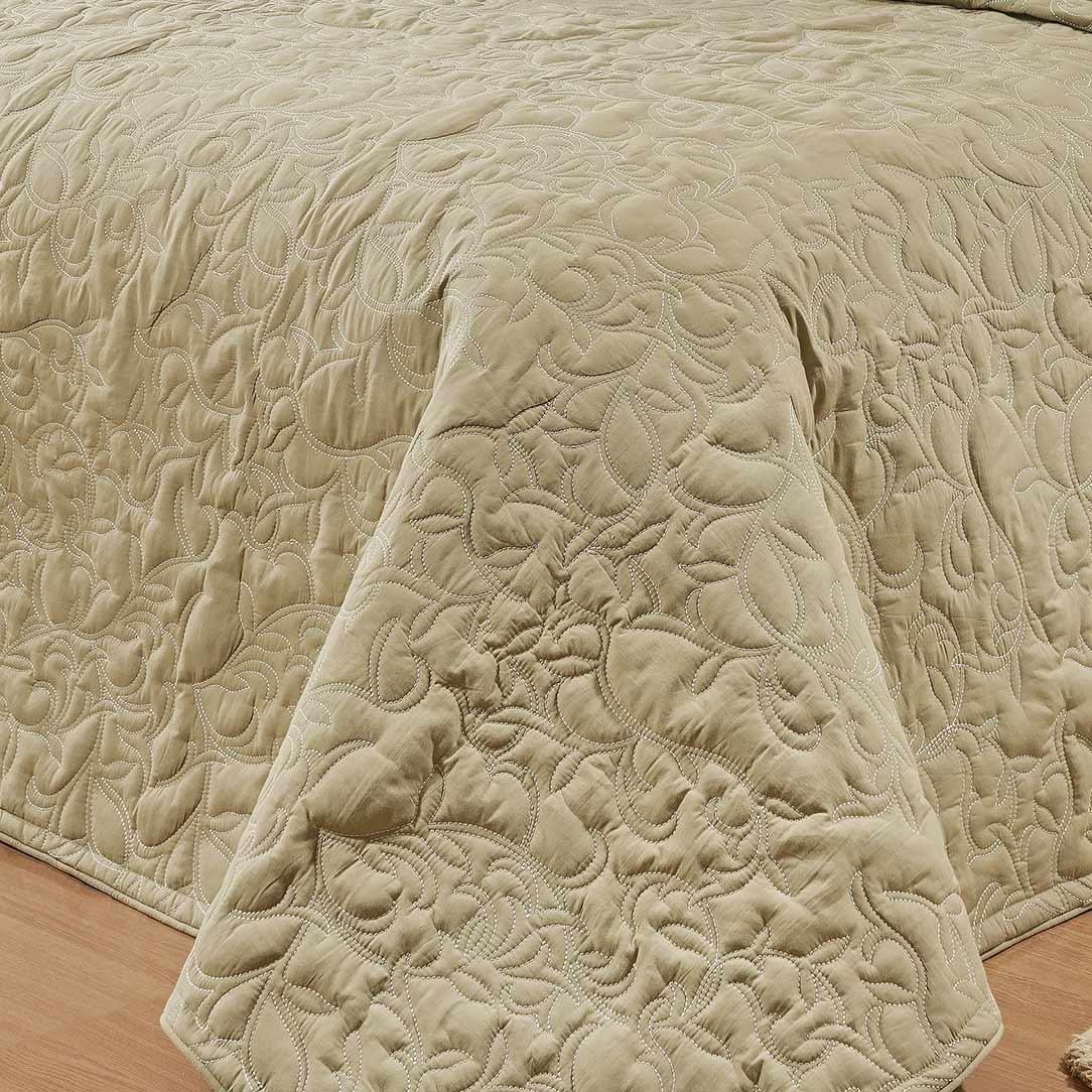 Kit Cobre Leito Bordado (Cobre Leito + Jogo Lençol + Almofada) Queen Coleção Murano Percal 200 Fios Liso com 11 peças
