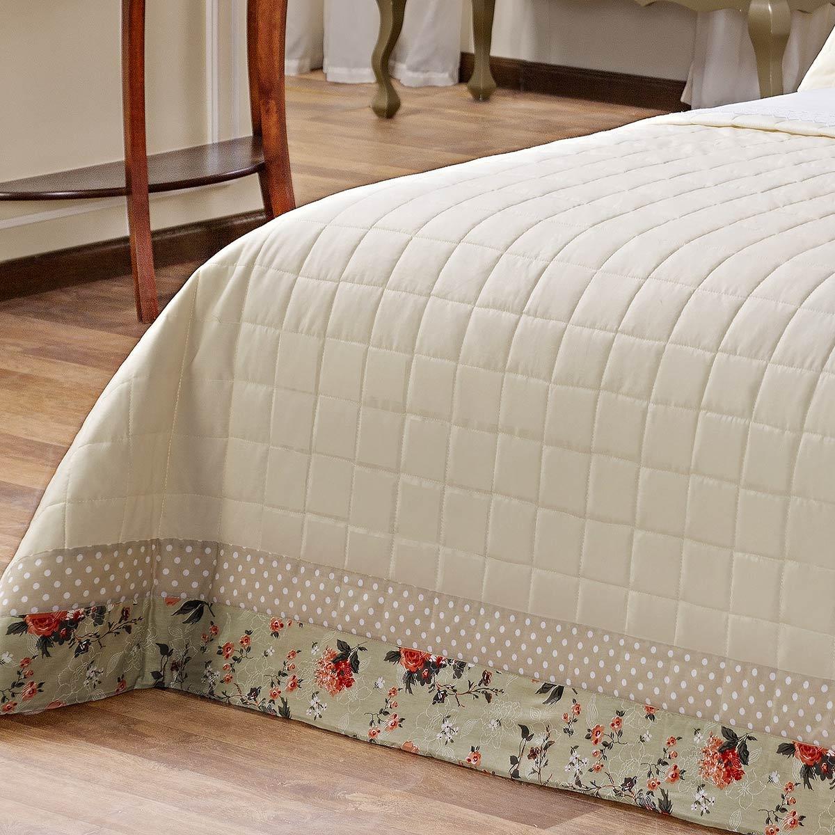 Kit Cobre Leito (Cobre Leito + Porta Travesseiro + Jogo de Lençol) Queen Romanza Palha Liso com estampa na borda com 11 peças