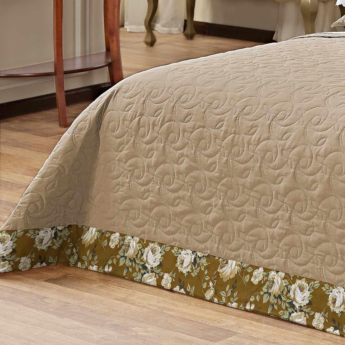 Kit Cobre Leito (Cobre Leito + Porta Travesseiro + Jogo de Lençol) Queen San Marino Caqui Bordado com 11 peças