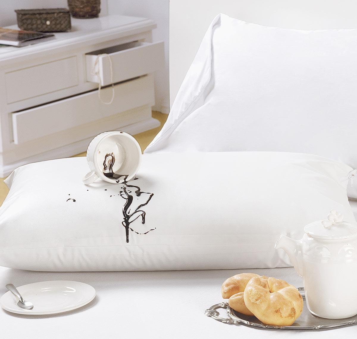 Protetor de Travesseiro Único Impermeável Branco em Algodão e Poliéster com 1 peça
