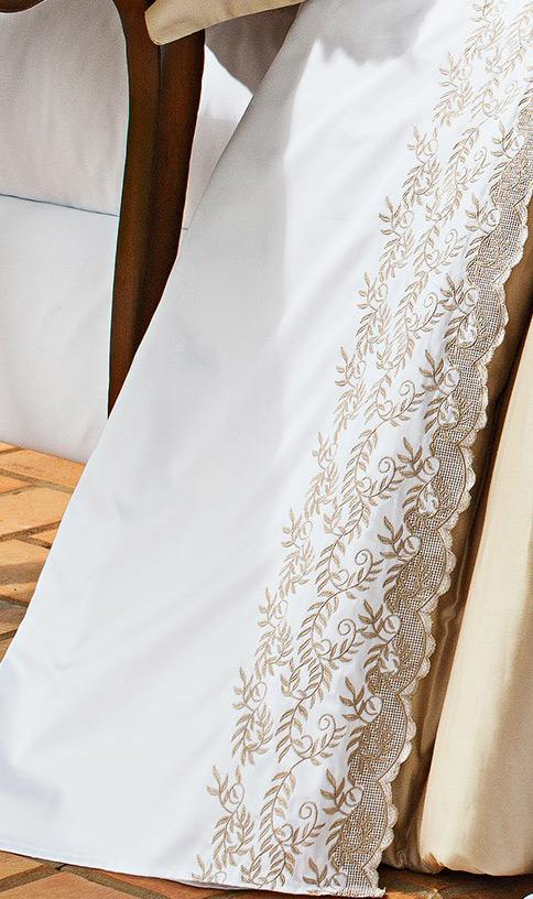 Roupa de Cama / Lençol Chiesa Queen em Fio Egipicio Percal 400 fios cor Branco e Dourado com 4 peças