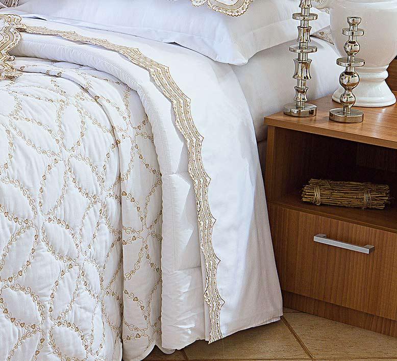 Roupa de Cama / Lençol Giornata King em Percal Algodão 230 fios - Acetinado cor Dourado e Branco com 4 peças