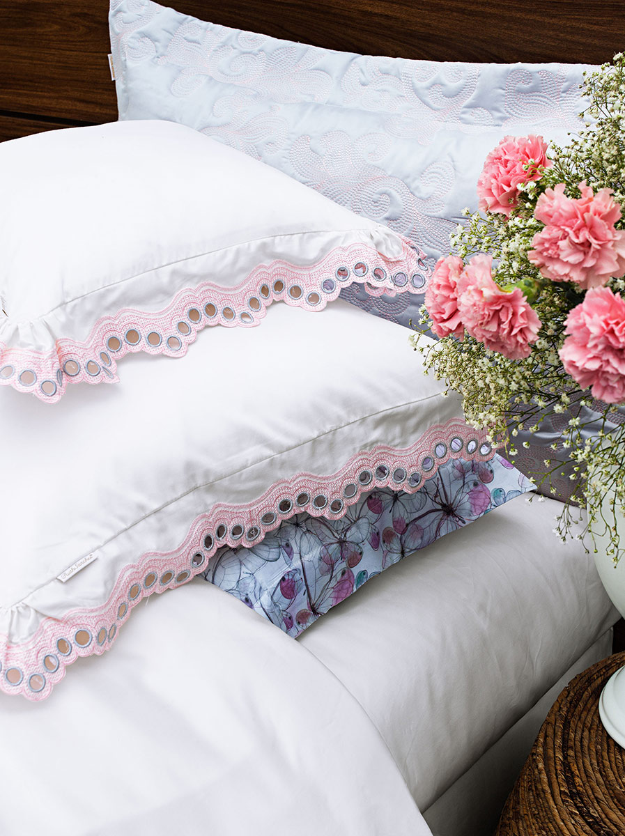 Roupa de Cama / Lençol Mille Queen em Fio Egipicio Percal 400 fios cor Branco e Rosa com 4 peças