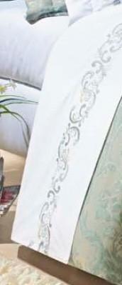 Roupa / Lençol de Cama Queen Branca com detalhe verde Percal 200 fios com 4 peças - Jogo de Lençol Verbena