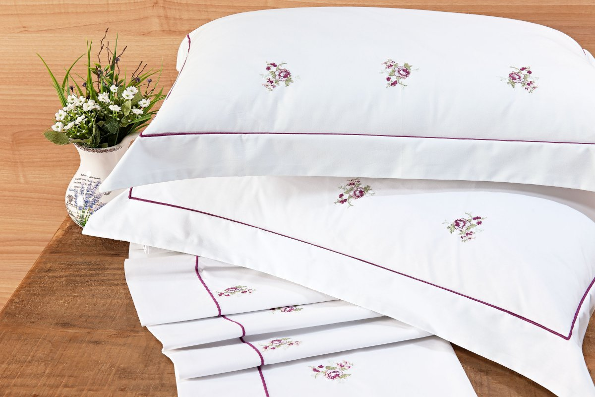 Roupa / Lençol de Cama Queen Branco e Lilás com Florido Percal 200 fios com 4 peças - Jogo de Lençol Abelle