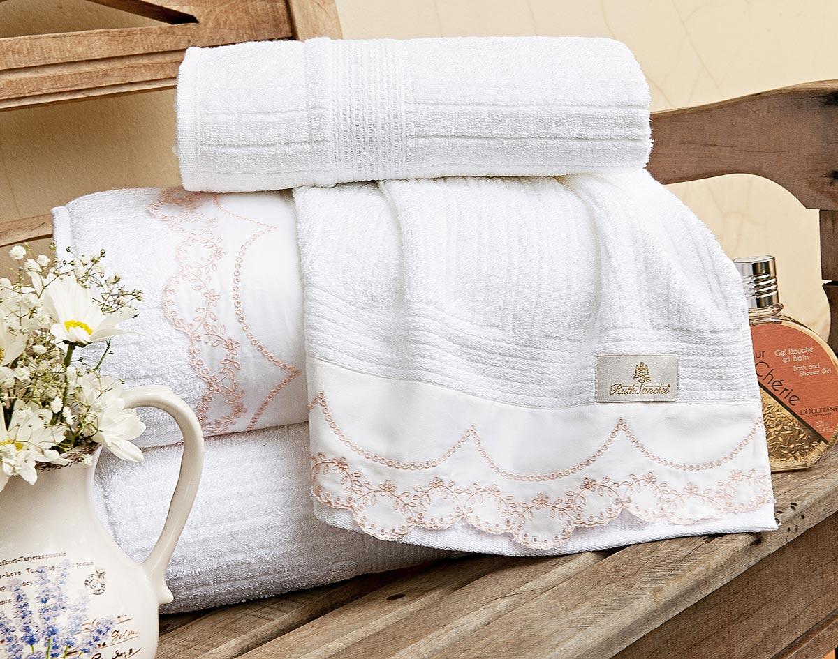 Toalhas de Banho Gigante Accanto cor Branca e Rosa com 5 peças