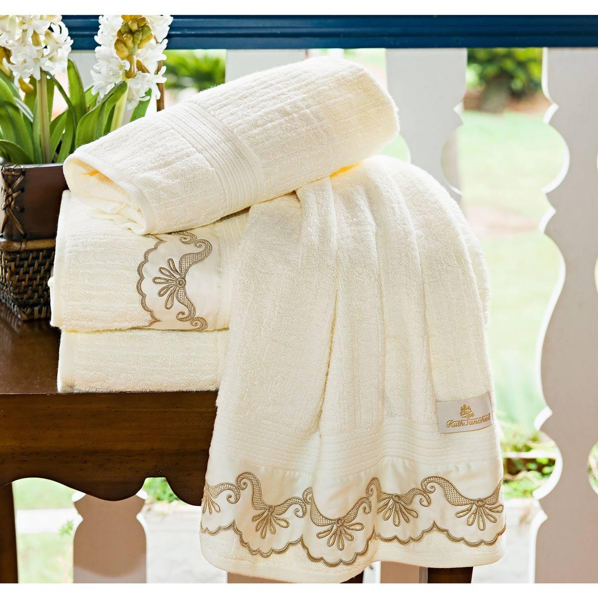 Toalhas de Banho Gigante C´ Doró cor Palha com 5 peças