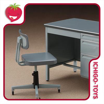 Hasegawa Office Desk and Chair - 1/12  - Ichigo-Toys Colecionáveis