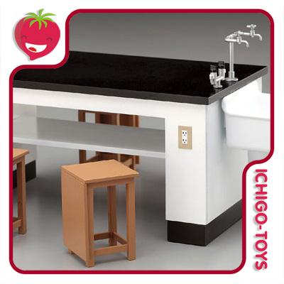Hasegawa Science Room Desk and Chairs - 1/12  - Ichigo-Toys Colecionáveis
