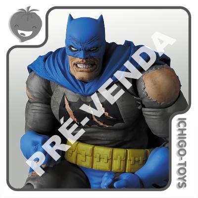 PRÉ-VENDA 30/04/2021 (VALOR TOTAL R$ 762,00 - 10% PARA RESERVA*) Mafex 119 - Batman Triumphant - The Dark Knight Returns  - Ichigo-Toys Colecionáveis