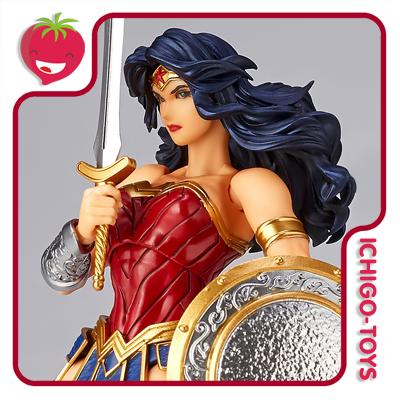 Revoltech Amazing Yamaguchi 017 - Wonder Woman - Justice League  - Ichigo-Toys Colecionáveis