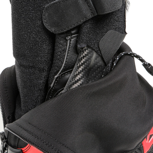 Bota Dainese Axial Goretex Black / Red  - Motosports