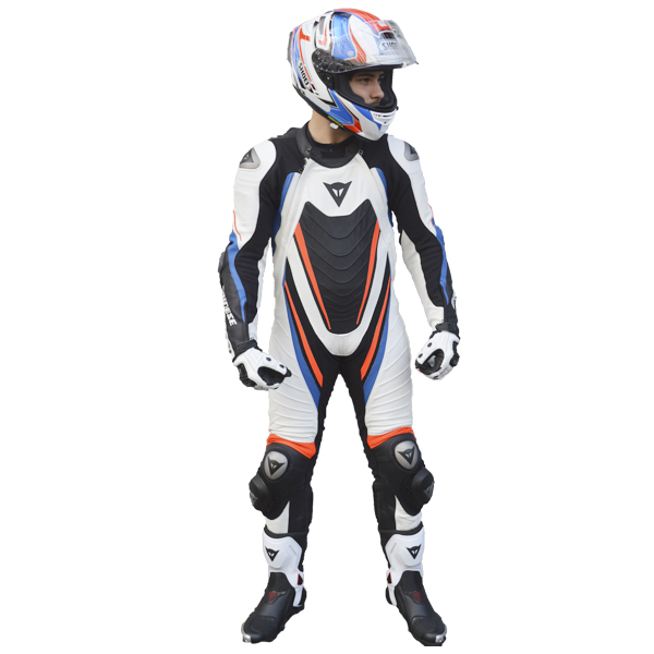 KIT - CAPACETE SHOEI X-SPIRIT III ASSAIL + MACACÃO DAINESE AERO EVO D1 1 PEÇA NOVO !  - Motosports