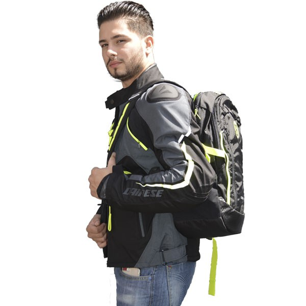 KIT - JAQUETA DAINESE HAWKER D-DRY E MOCHILA OGIO VR46 APOLLO  - Motosports
