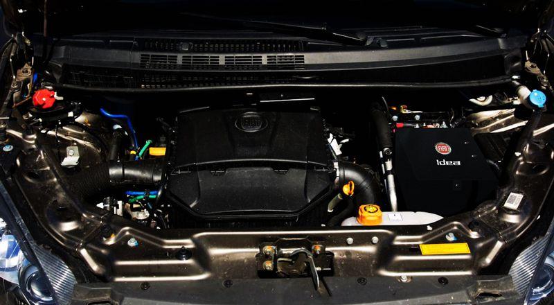 Capa De Bateria Bordada Fiat Idea Proteção Térmica