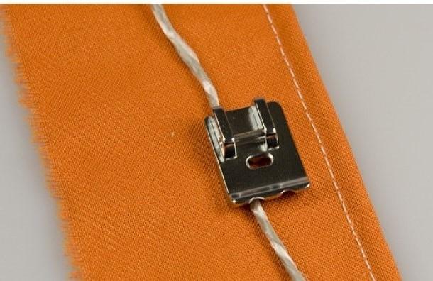 Calcador Janome para Vivo ou Cordão de 5MM - Máq. Elétricas
