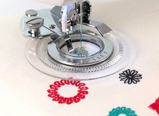 Calcador de Fazer Flor (Flower Stitch) 3700L