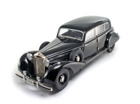 1938 Mercedes-Benz 770K Sedan - Escala 1:18 - Signature Models