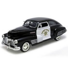 1948 Chevrolet Aerosedan Fleetline California Highway Patrol - Escala 1:24 - Motormax