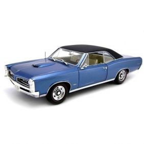 1966 Pontiac GTO Hard Top - Escala 1:18 - Highway 61