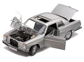 1977 Mercedes-Benz Strich 8 280C Coupe - Escala 1:18 - Sun Star