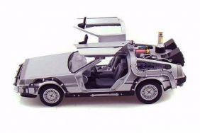 DeLorean Time Machine - Back To The Future II - Escala 1:24 - Welly