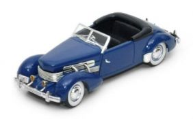 1937 Cord 812 Supercharged - Escala 1:32 - Signature Models
