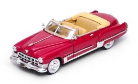 1949 Cadillac Series 62 Convertible Coupe - Escala 1:32 - Signature Models