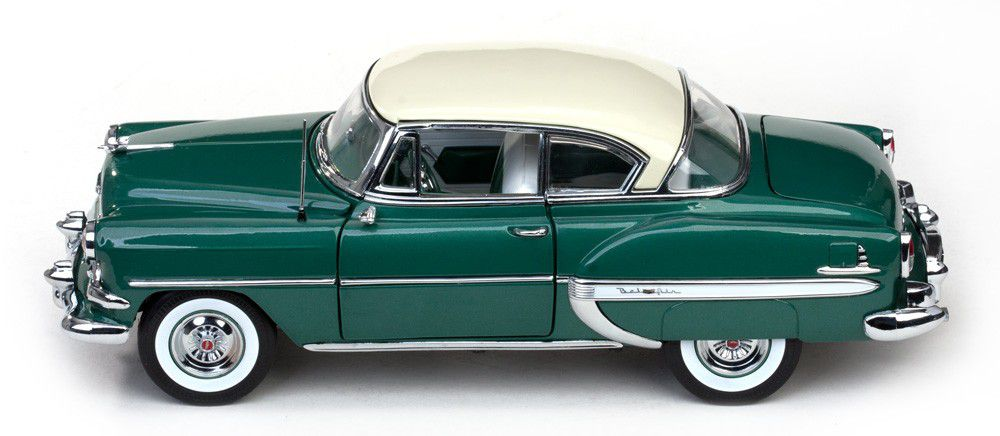 1954 Chevrolet Bel Air - Escala 1:18 - Sun Star