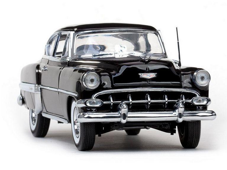 1954 Chevrolet Bel Air - Escala 1:18 - Sun Star