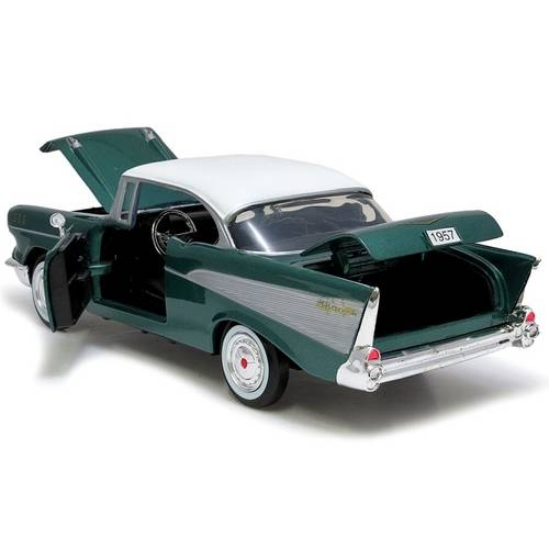 1957 Chevrolet Bel Air - Escala 1:24 - Motormax