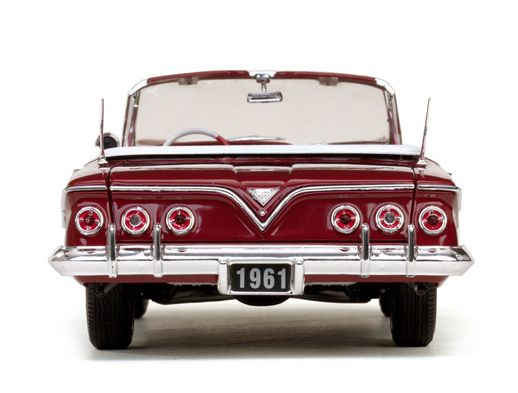1961 Chevrolet Impala Open Convertible - Escala 1:18 - Sun Star