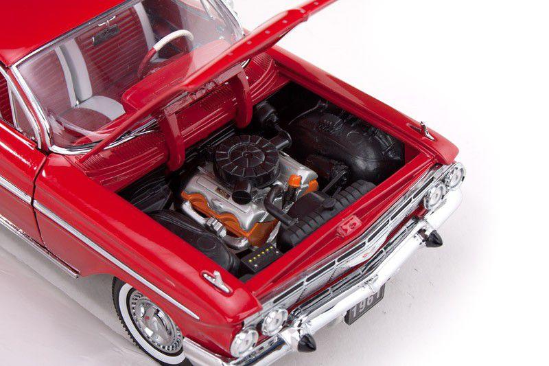 1961 Chevrolet Impala Sport Coupe - Escala 1:18 - Sun Star