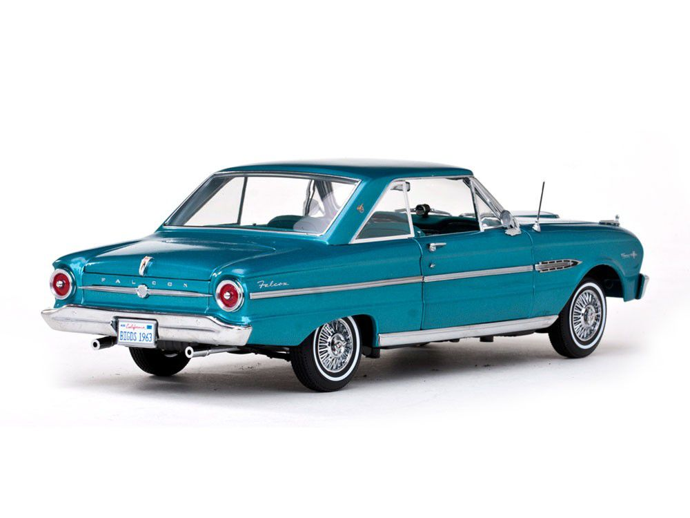 1963 Ford Falcon - Escala 1:18 - Sun Star