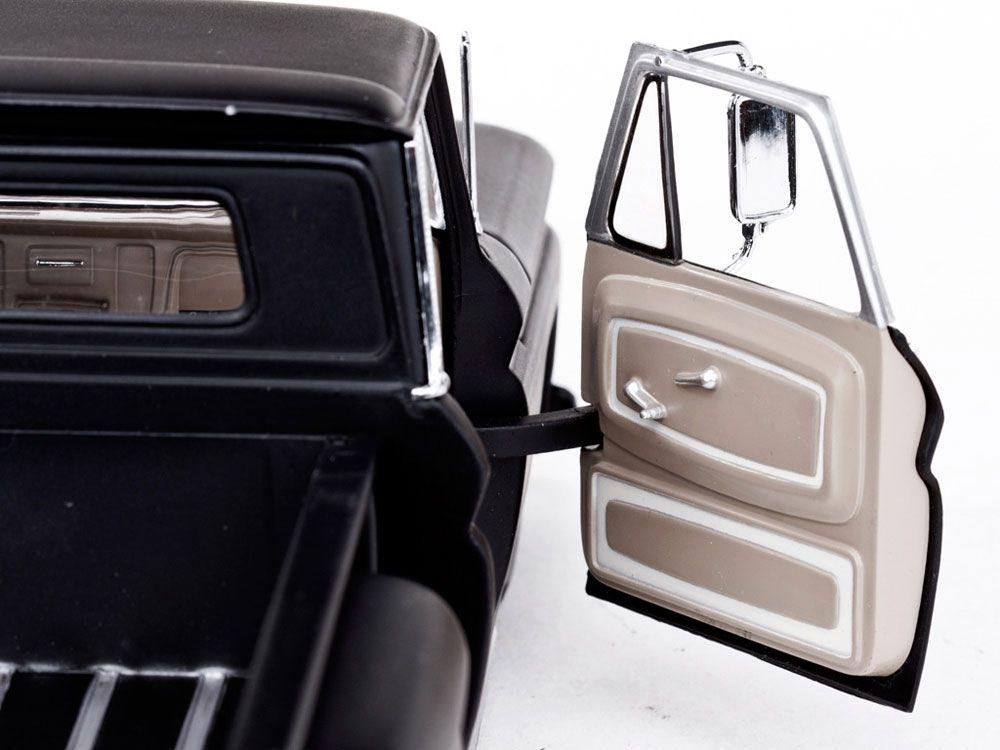 1965 Chevrolet Pick-up C-10 Stepside Low Rider - Escala 1:18 - Sun Star