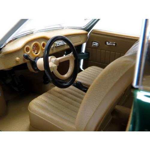 1966 Volkswagen Karmann-Ghia - Escala 1:18 - Yat Ming