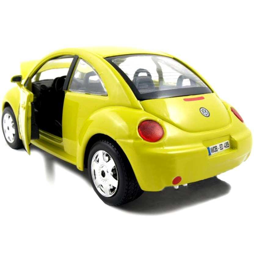 1998 Volkswagen New Beetle - Escala 1:24 - Bburago