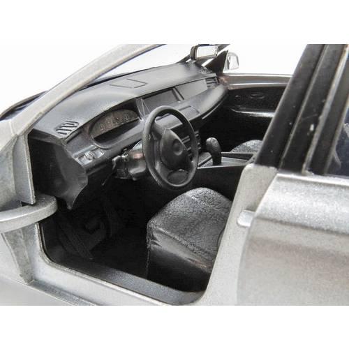 2010 BMW 5 Series GT - Escala 1:24 - Motormax