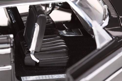 1963 Ford Galaxie 500 XL- Escala 1:18 - Sun Star