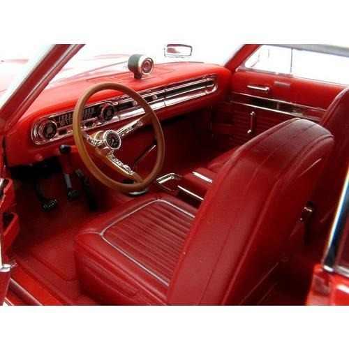 1964 Ford Falcon - Escala 1:18 - Yat Ming