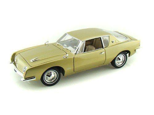 1963 Studebaker Avanti - Escala 1:18 - Signature Models