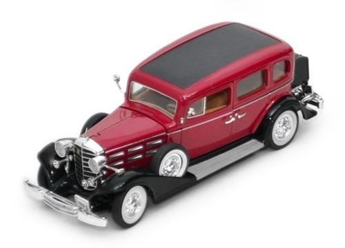 1933 Cadillac V8 Sedan - Escala 1:32 - Signature Models