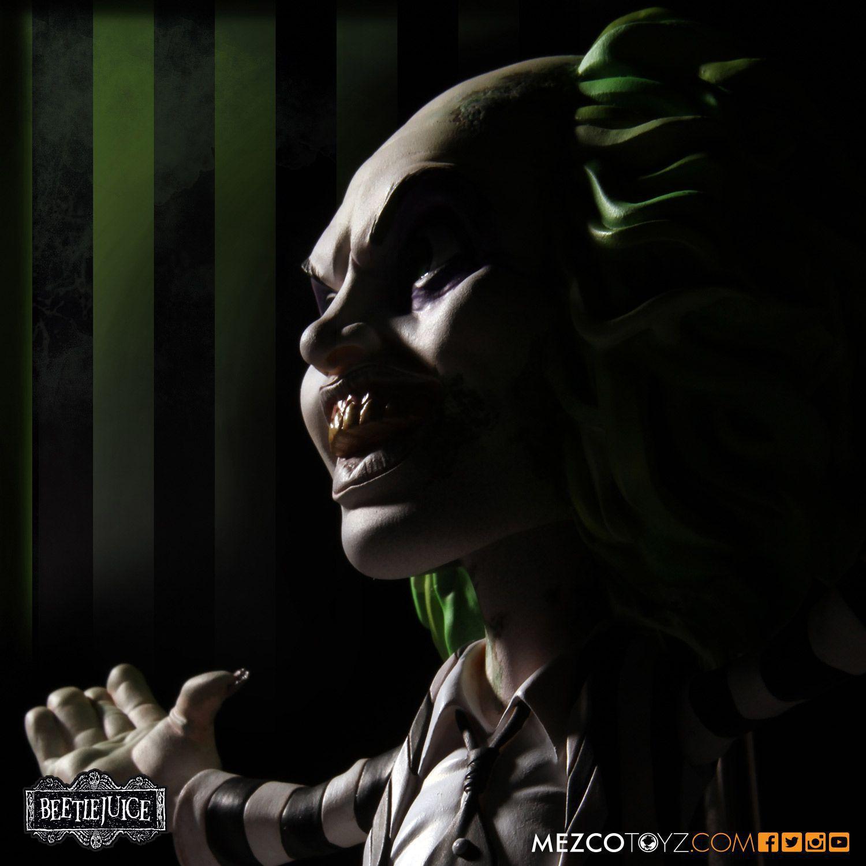 Beetlejuice ( Besouro Suco ) - Os Fantasmas se Divertem - Stylized Figure - Mezco Toyz